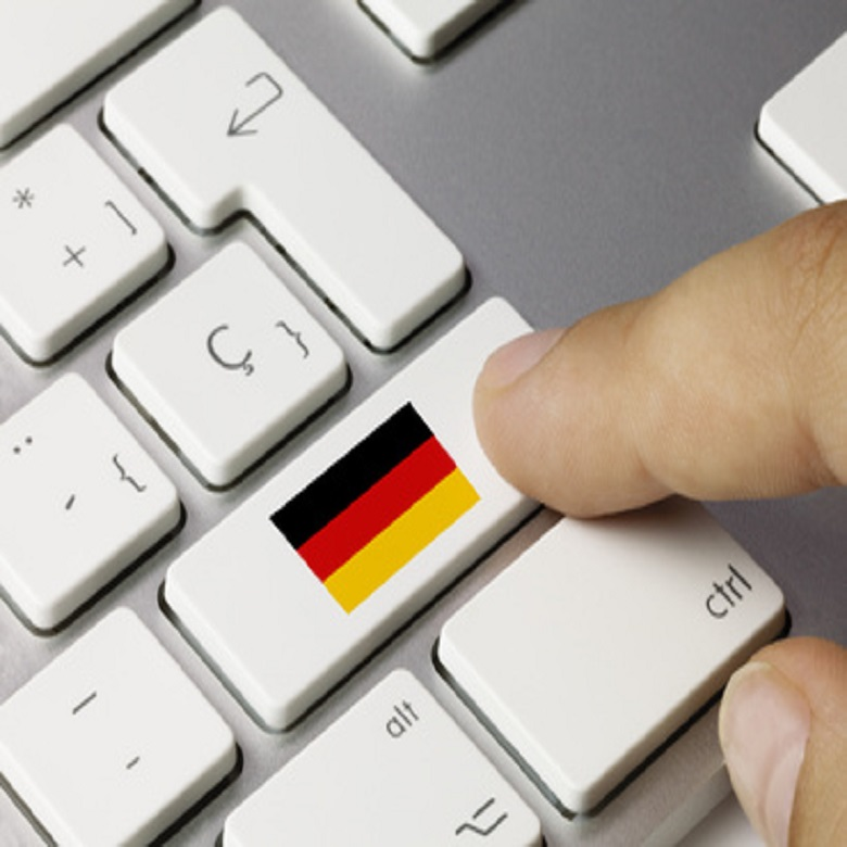 Deutsch Flagge. Tastatur. Finger